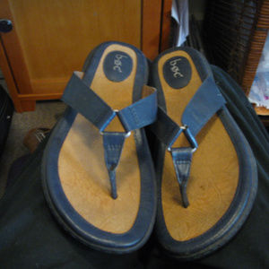 b.o.c.   lightly used.black thong flat sandals 10M